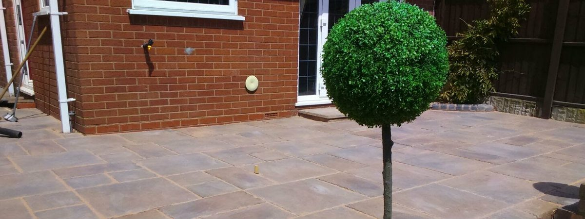 patio slabbing driveways - Roy's Garden Services